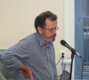 Ο σκηνοθέτης Στέλιος Χαραλαμπόπουλος εισηγείται το θέμα του στους μαθητές