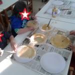 βάφοντας τα πιάτα...