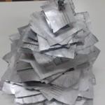 χριστουγεννιάτικο δέντρο από εφημερίδες