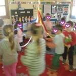 χορεύοντας το παραδοσιακό γαιτανάκι
