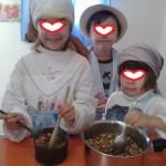 βράζοντας παραδοσιακά τα σπόρια...