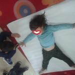 κάνοντας το περίγραμμα σώματος ενός κοριτσιού