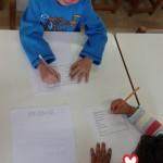 γράφοντας τα στοιχεία μας