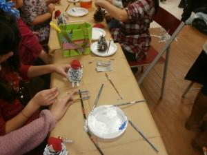 Δημιουργική απασχόληση των μικρών μας φίλων κατά τη διάρκεια του παζαριού με κατασκεύες, παραμύθια, θεατρικό παιχνίδι και προβολή ταινιών.