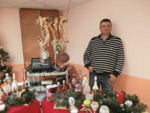 Πλούσια δώρα αλλά και χαρούμενες χριστουγεννιάτικες μουσικές επιλογές από τον κ. Παπαζίδη.