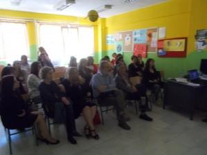 Γονείς και εισηγητές μαζί με τον Διευθυντή Π.Ε. Φλώρινα Κίμωνα Σαββάκη