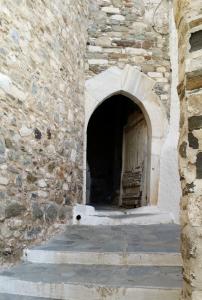 Τρανή Πόρτα στο Κάστρο της Χώρας