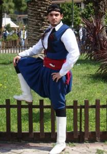 Παραδοσιακή φορεσιά 2