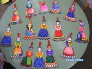 Η κυρά Σαρακοσρή όπως τη ζωγράφισαν τα παιδιά