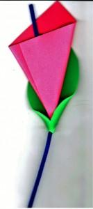 Χαρτοκοπτική & χαρτοκολλητική με αφρώδη χαρτιά και σύρμα πίπας.