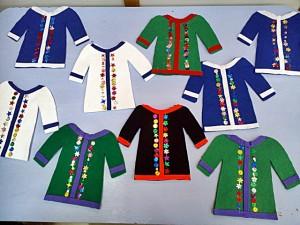 Επίσης φτιάξαμε παραδοσιακές ανδρικές φορεσιές με πολύχρωμες τσόχες.