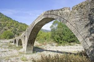 Το γεφύρι του Παπαστάθη