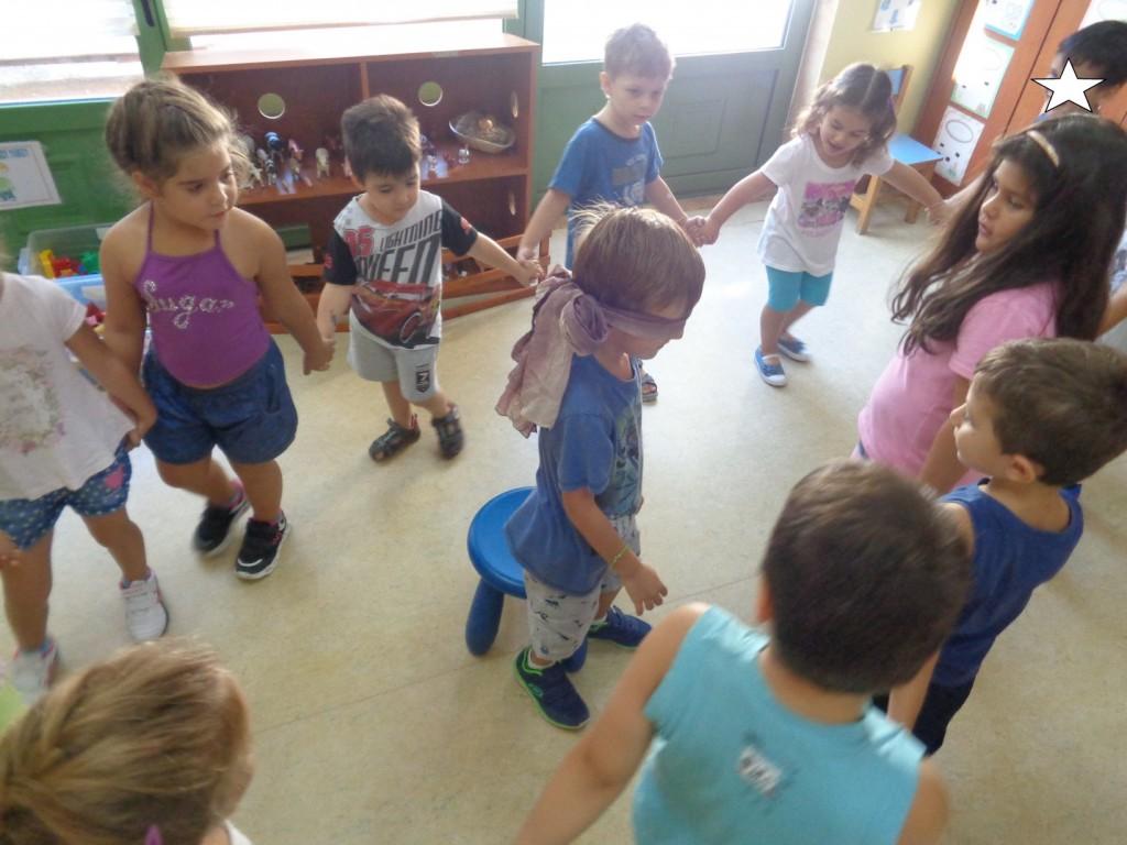 Παραλλαγή του παραδοσιακού παιχνιδιού: « Η μικρή Ελένη»