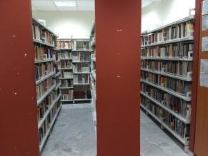 Η βιβλιοθήκη μας, πάντα 'φιλόξενη' σε μαθητές και καθηγητές και τακτοποιημένη.