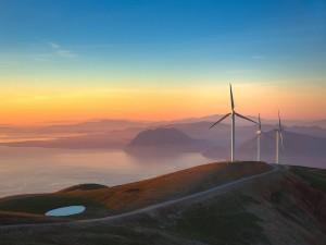 panachaiko-turbines-sunset_93175_990x742