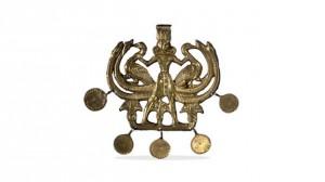 """Χρυσό περίαπτο 1800-1700 π.Χ. από τον """"Θησαυρό της Αίγινας"""""""