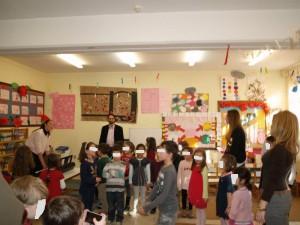 Και ας χορέψουμε λιγάκι...Μουσικοκινητό δρώμενο έχετε ξανακάνει; Ολοι μαζί γονείς, δασκάλες και παιδιά σίγουρα ήταν η πρώτη φορά!