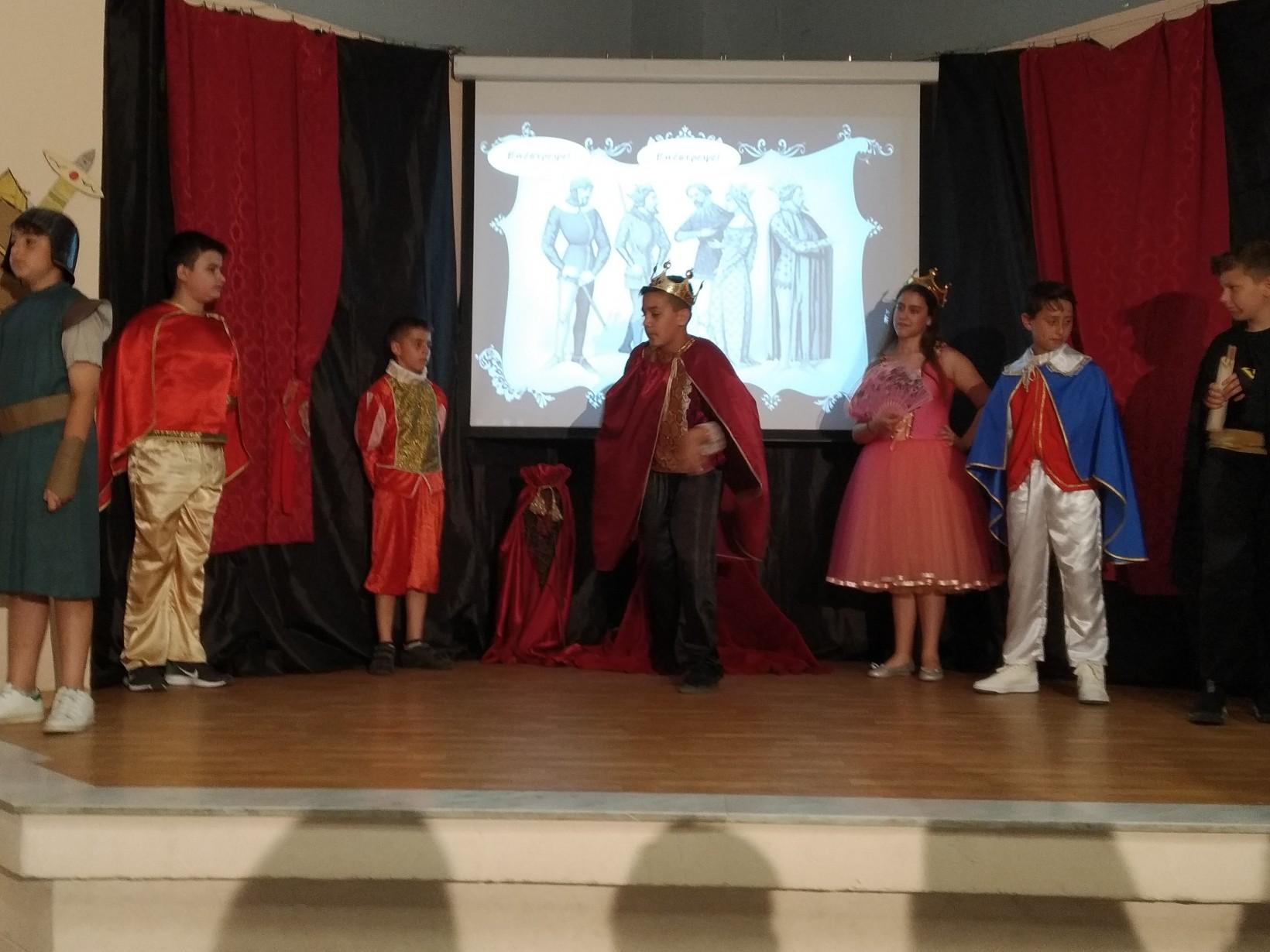 ευτυχισμένο σχολείο να ετοιμαστείτε για το χορό ένα μεγάλο πρόβλημα που χρονολογείται στα τριάντα