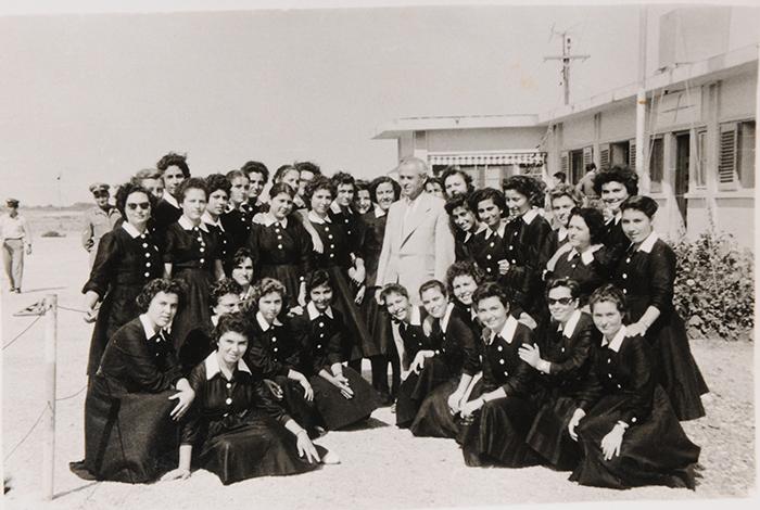 1957-Στην αναχώρηση του Γυμνασιάρχη κ.Αργυρίου (αεροδρόμιο)