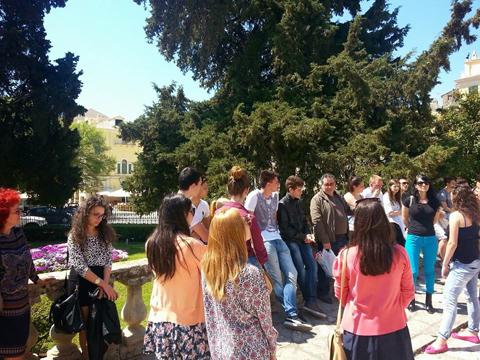 Από την ξενάγηση της Ρουμανικής τάξης κατά την επίσκεψη στην Κέρκυρα 16/4/2015