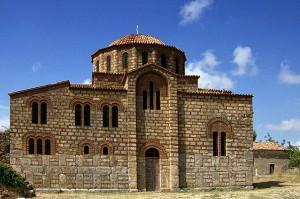 Η εκκλησία της Μεταμορφώσεως του Σωτήρα ή αλλιώς Αγια Σωτήρα στην Χριστιανούπολη. Οι παλαιότεροι έλεγαν «Αγιά Σωτήρα στο Μοριά και Αγιά Σοφιά στη Πόλη».