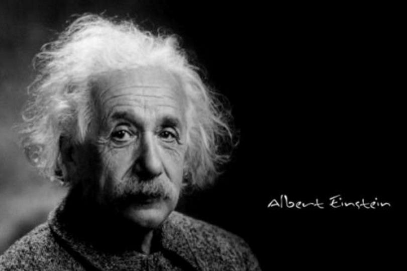 Αν θέλετε τα παιδιά σας να γίνουν έξυπνα, διαβάστε τους παραμύθια.Αν θέλετε να γίνουν ακόμα πιο έξυπνα,διαβάστε τους περισσότερα παραμύθια