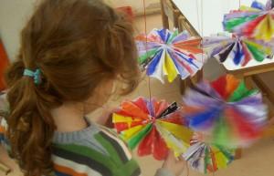 Φτιάχνουμε πολυχρωμα φουρφούρια :)