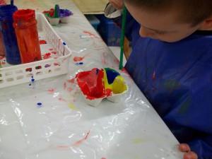 Χρωματίζουμε αυγοθήκες κα φτιάχνουμε πασχαλινά καλάθια