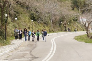 Περπατώντας  στους δρόμους της Στενής