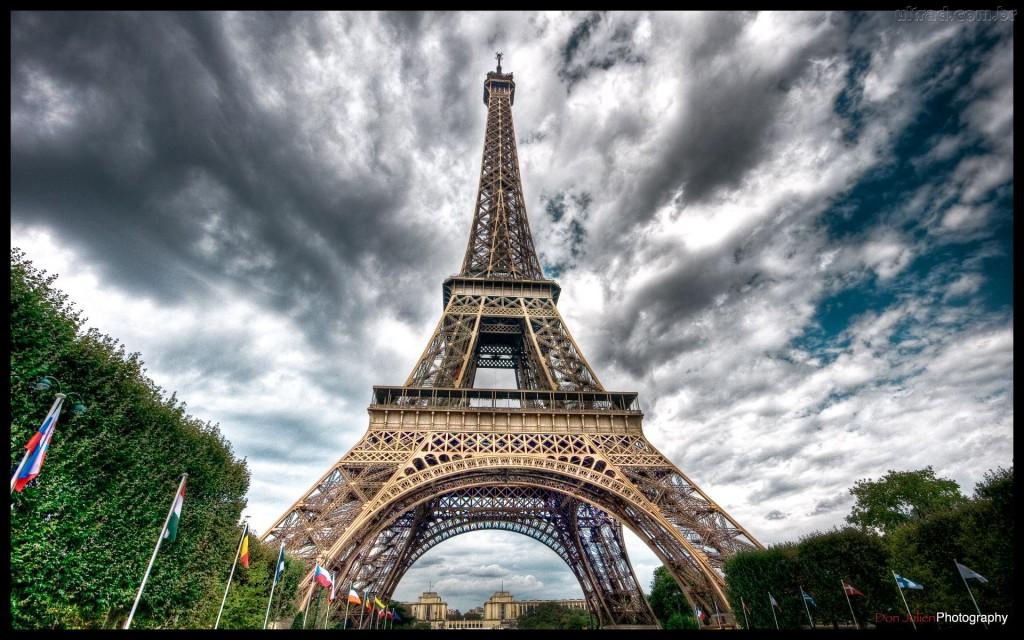 119570_Papel-de-Parede-Torre-Eiffel-Paris_1920x1200