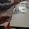 κόβοντας το χαρτί
