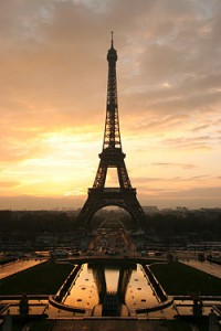 250px-Tour_eiffel_at_sunrise_from_the_trocadero