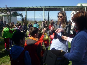 Η Χρυσή Ολυμπιονίκη μας κ. Έλλη Μυστακίδου που μάγεψε τους μικρούς μαθητές μας