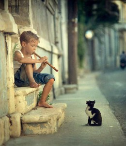 οταν απολαμβανεις τη μουσικη