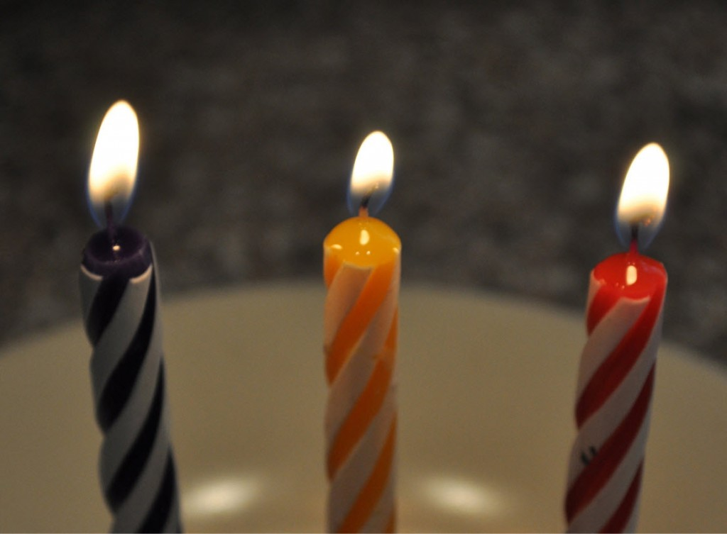 3-candles-sm1