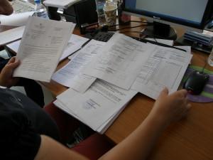 Φωτογραφία της θέσης εργασίας και έγγραφα της εγκυκλίου