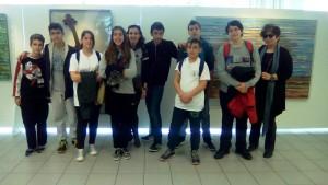 Οι Μαθητές του Ζαννείου Πειραματικού Γ/σιου Πειραιά που συμμετείχαν στο Ομαδικό Πρωτάθλημα Σκάκι με τη συνοδό καθηγήτρια κ. Σοφία Ντούσκα και μια μητέρα μαθητή.
