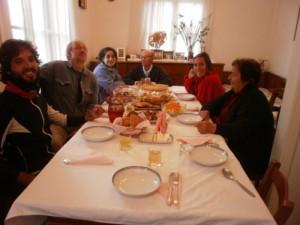 Ήταν του Αγίου Φιλίππου και με χαρά αποδέχτηκαν την πρόσκληση των γονιών μου για φαγητό με τη Χριστίνα και το Ριχάρδο