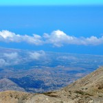 Δεξιά η κορυφή Στολίστρα και στο βάθος αριστερά το Ρέθυμνο