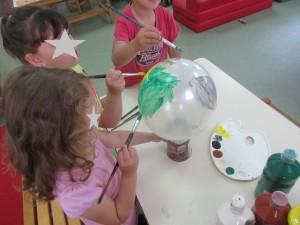 Η κατασκευή πλανητών με μπαλόνια.