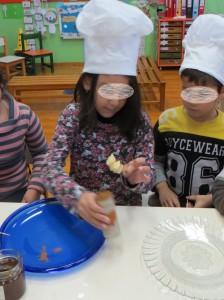 Έτοιμα τα μηλοσουβλάκια μας (σε οδοντογλυφίδες)