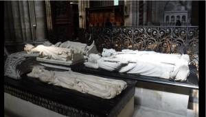 Τάφος2