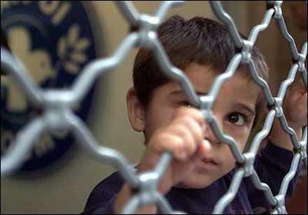 refugee-gr.jpg