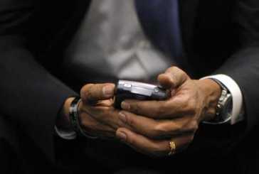 obamablackberry.jpg