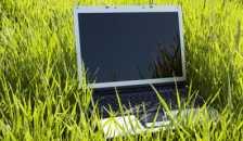 grass_laptop.jpg
