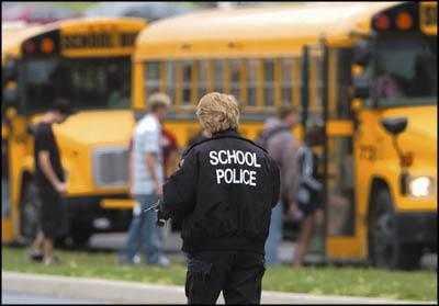 sch-police1.jpg