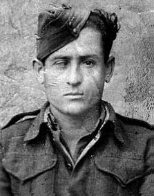 Ο Γρηγόριος Καλλιανιώτης υπηρετώντας τη θητεία του κατά τη διάρκεια του κυρίως Εμφυλίου Πολέμου. Παρότι απρόσκλητος, έπαιξε σπουδαίο ρόλο στο μπλόκο των Γερμανών στην Αιανή τον Ιανουάριο του 1944